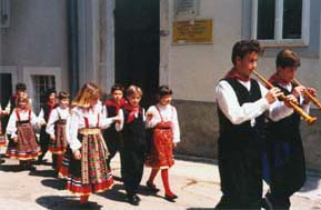 Young glagolites and sopile players from Dobrinj (island of Krk)