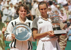 Iva Majoli, champion of 1997 Roland Garros, winning Martina Hingis